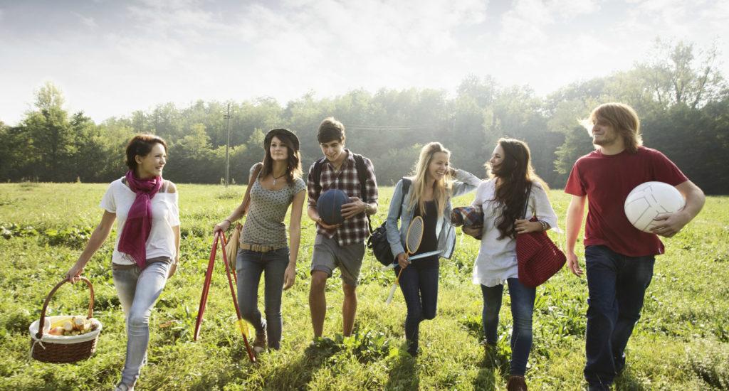 o-FRIENDS-WALKING-OUTSIDE-facebook2
